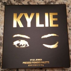 NEW NEVER WORN Kylie Bronze Pressed Powder Palette